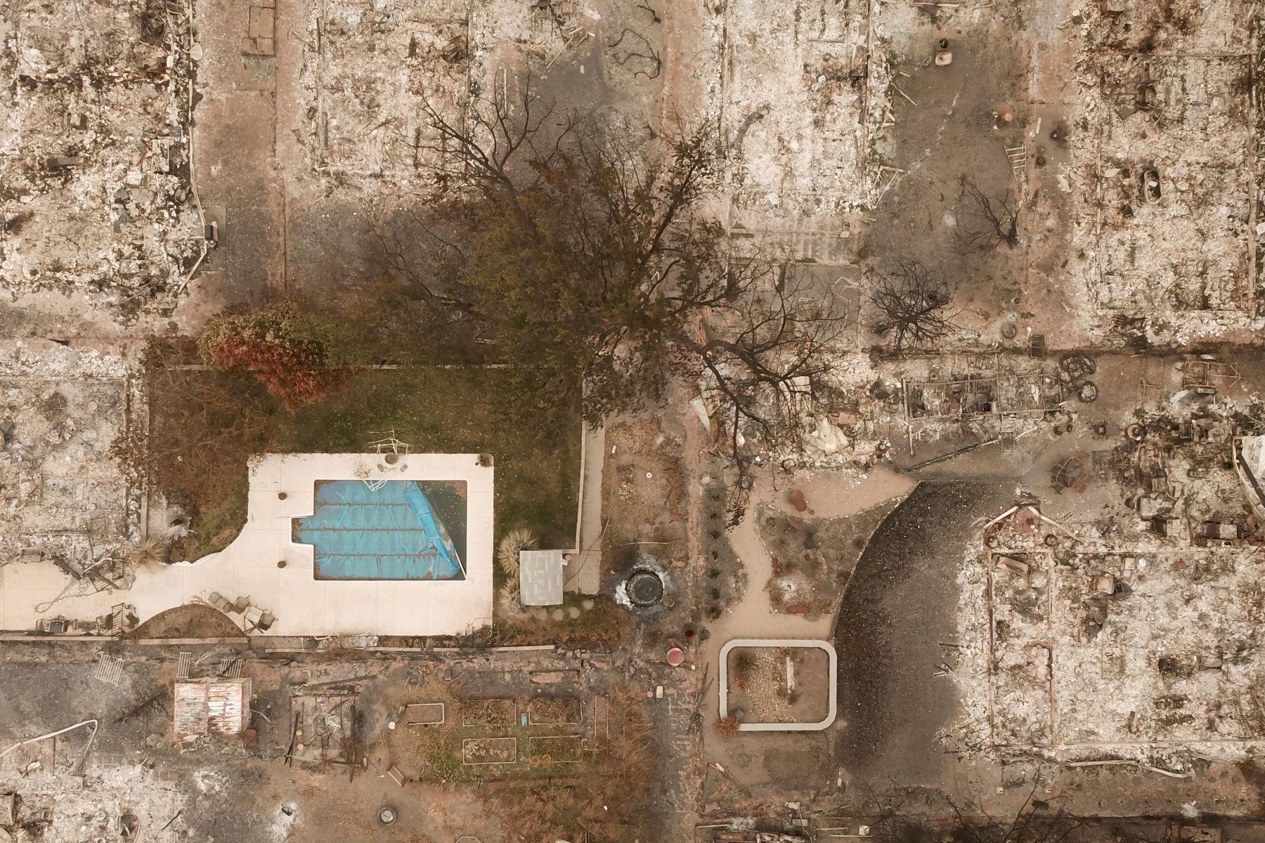 Una vista aérea muestra las propiedades destruidas por el incendio de Almeda en Talent, Oregón. Foto: AFP