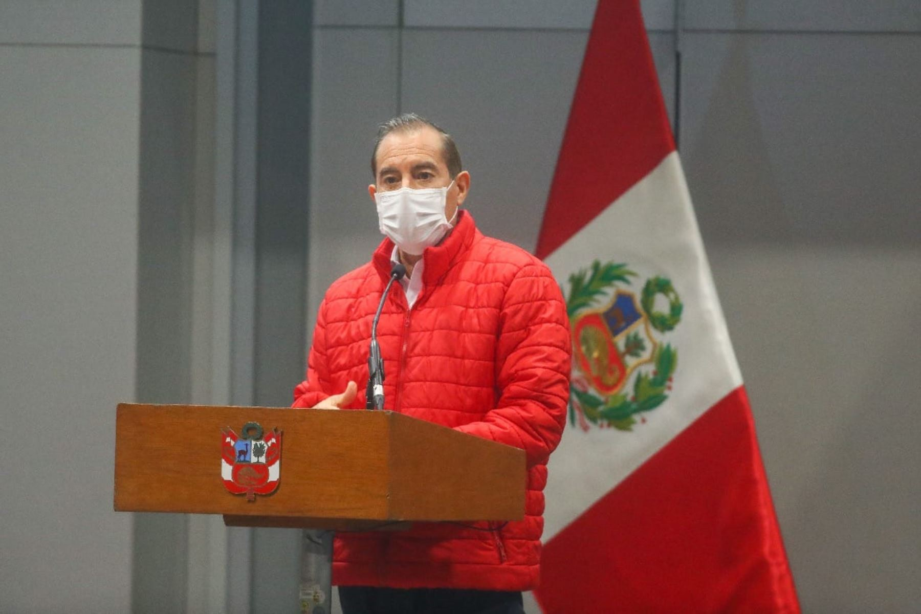 Peruvian Prime Minister Walter Martos addresses mayors. Photo: ANDINA/Presidency of the Republic