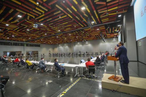 Presidente Vizcarra se reúne con autoridades de municipios y regiones