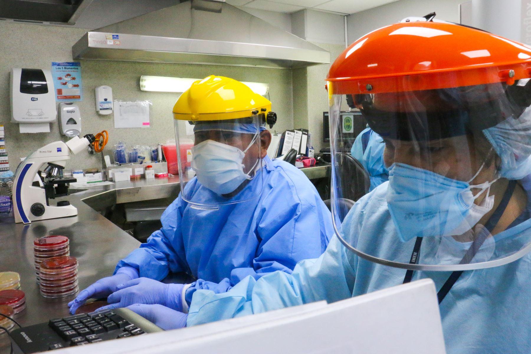 INEN procesa pruebas moleculares en 40 minutos.Foto:ANDINA/Minsa