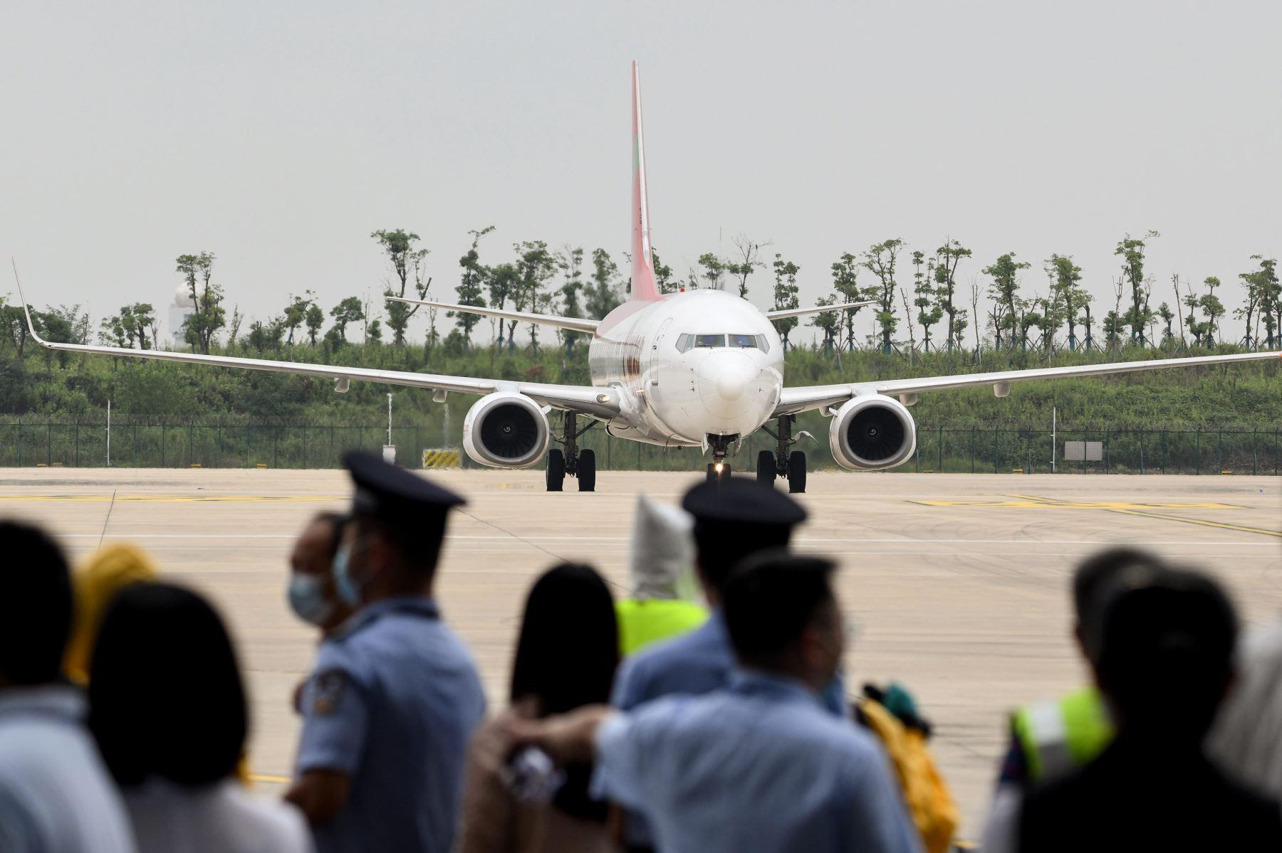 Wuhan recibe a su primer vuelo internacional después de ocho meses | Noticias