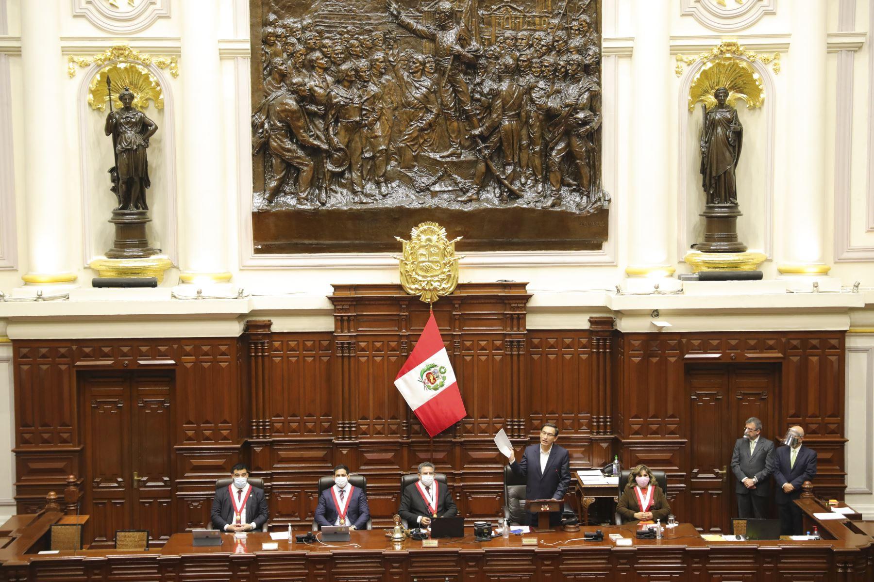 Presidente Vizcarra participa de sesión plenaria por moción de vacancia. Foto: ANDINA/ Prensa Presidencia