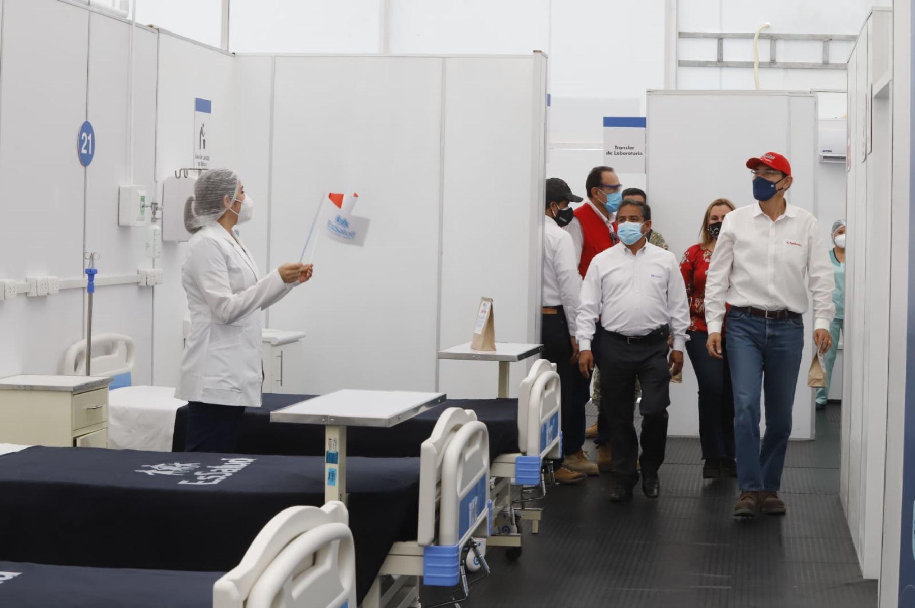 El presidente Martin Vizcarra, inspecciona Villa EsSalud La Libertad, establecimiento destinado para brindar atención a pacientes con Covid-19. Foto: ANDINA/ Prensa Presidencia