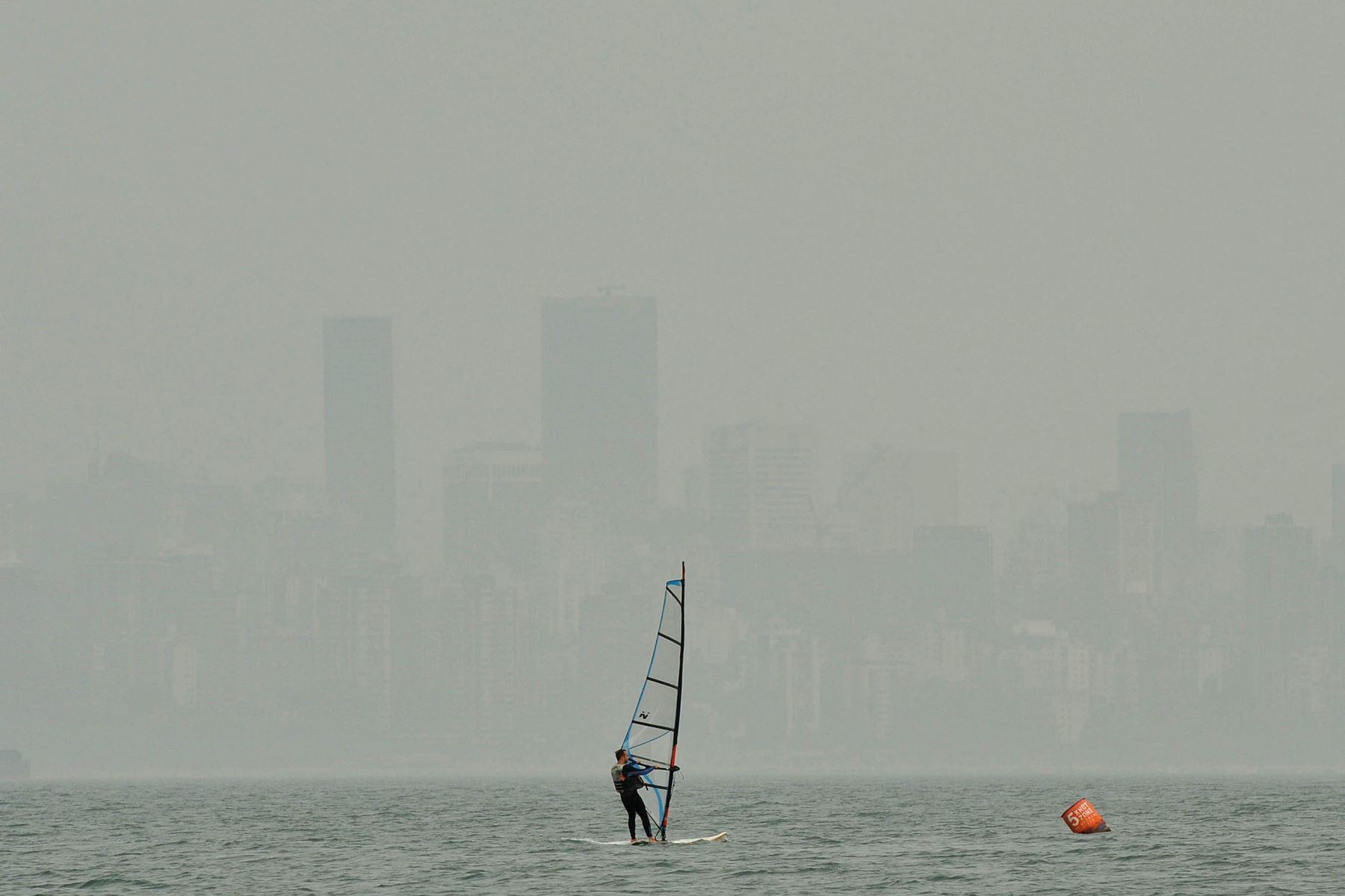 Vancouver se asfixia bajo el humo de los incendios forestales en EE. UU. | Noticias