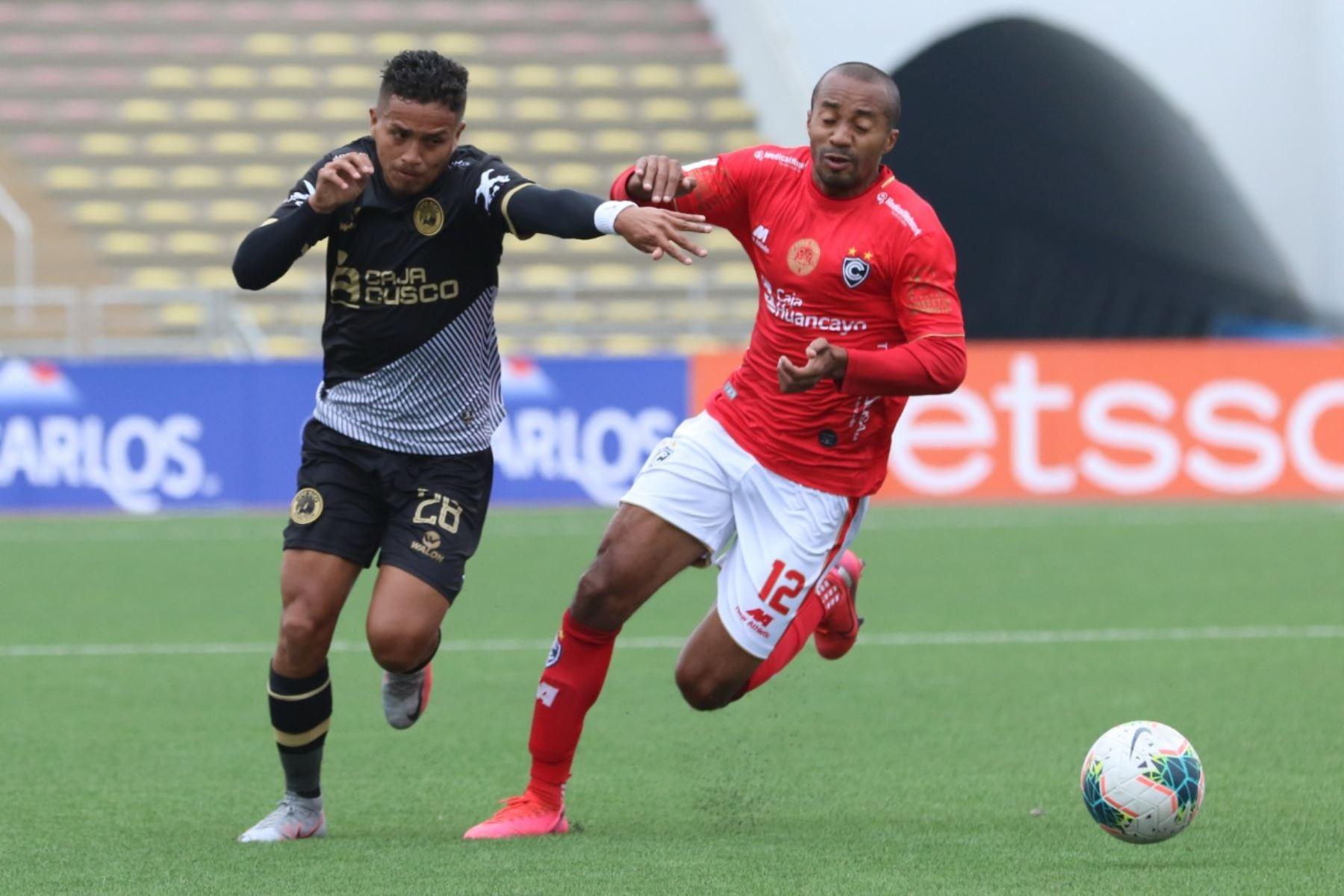 Cienciano y Cusco F.C. se enfrentan por la fecha 12 del Torneo Apertura. El encuentro se realiza en el estadio de San Marcos. Foto: Liga 1