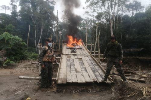 Madre de Dios: fuerzas del orden destruyen campamentos mineros e incautan maquinaria destinada para la minería ilegal