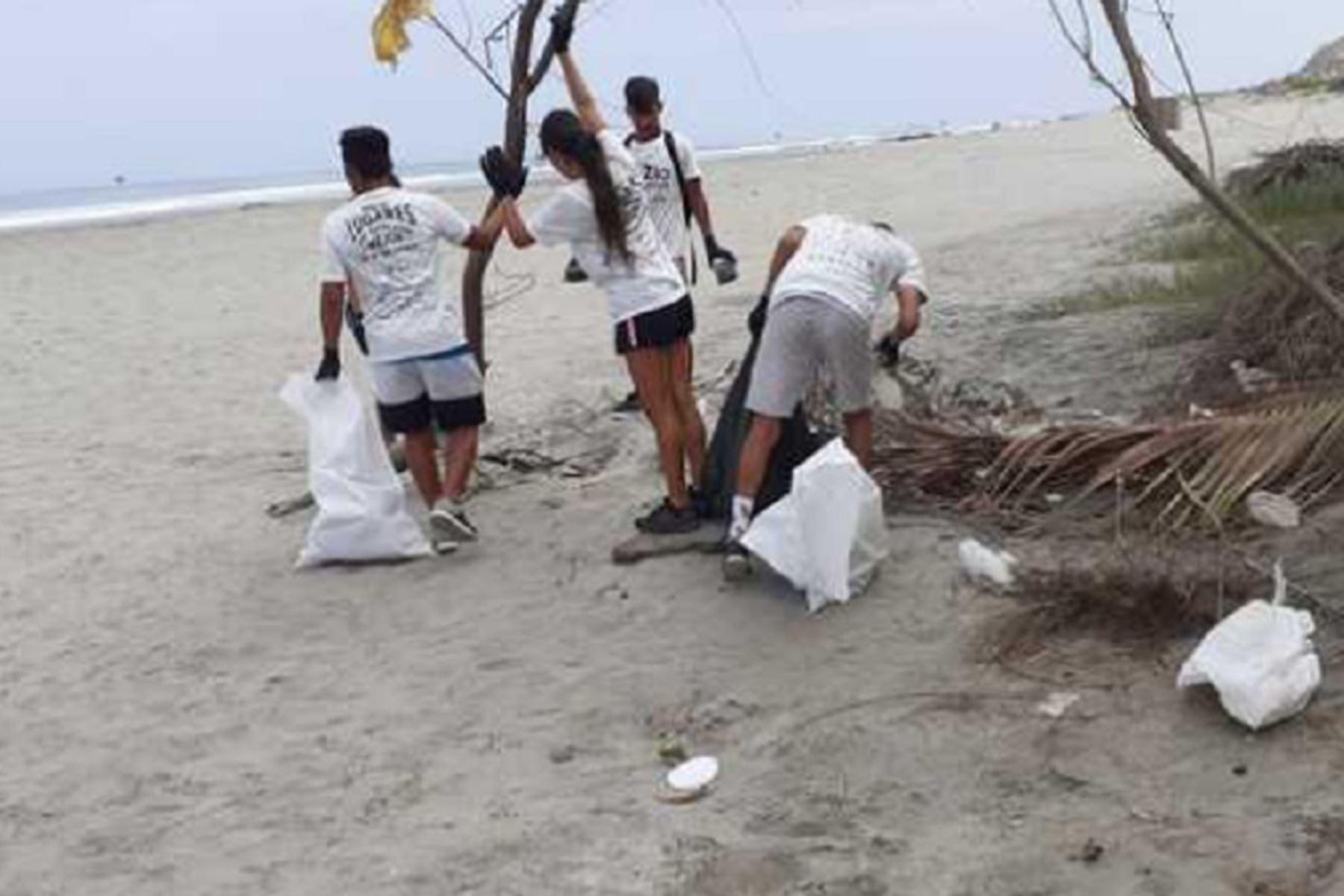 Conoce a estos guardianes que luchan por mantener limpias nuestras playas | Noticias