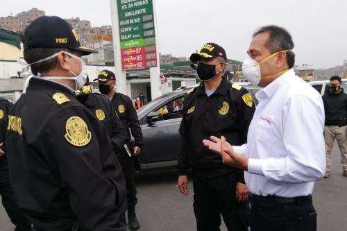El ministro del Interior supervisó las acciones de control vehicular tras levantamiento de la inmovilización social obligatoria de los domingos