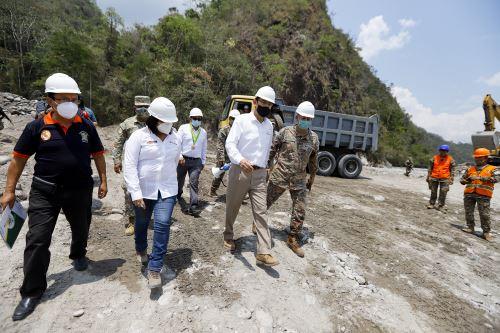 Presidente Martín Vizcarra supervisó obras de descolmatación del cauce del río Chanchamayo