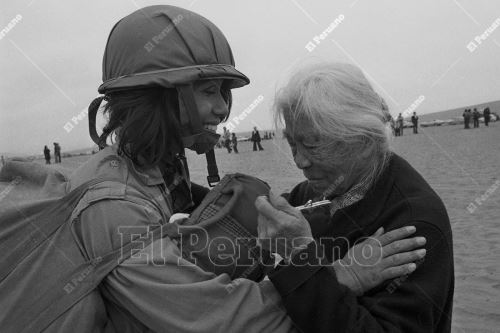 A 45 años de la primera promoción de mujeres paracaidistas del Ejército Peruano