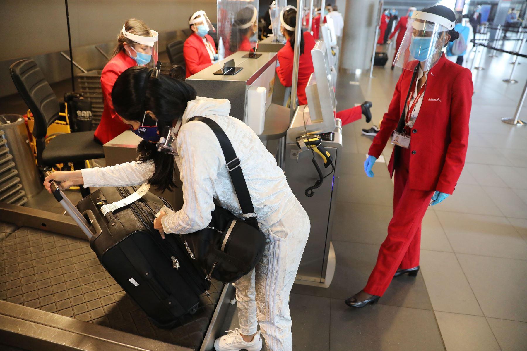 Colombia reanuda vuelos internacionales tras suspensión de casi seis meses | Noticias