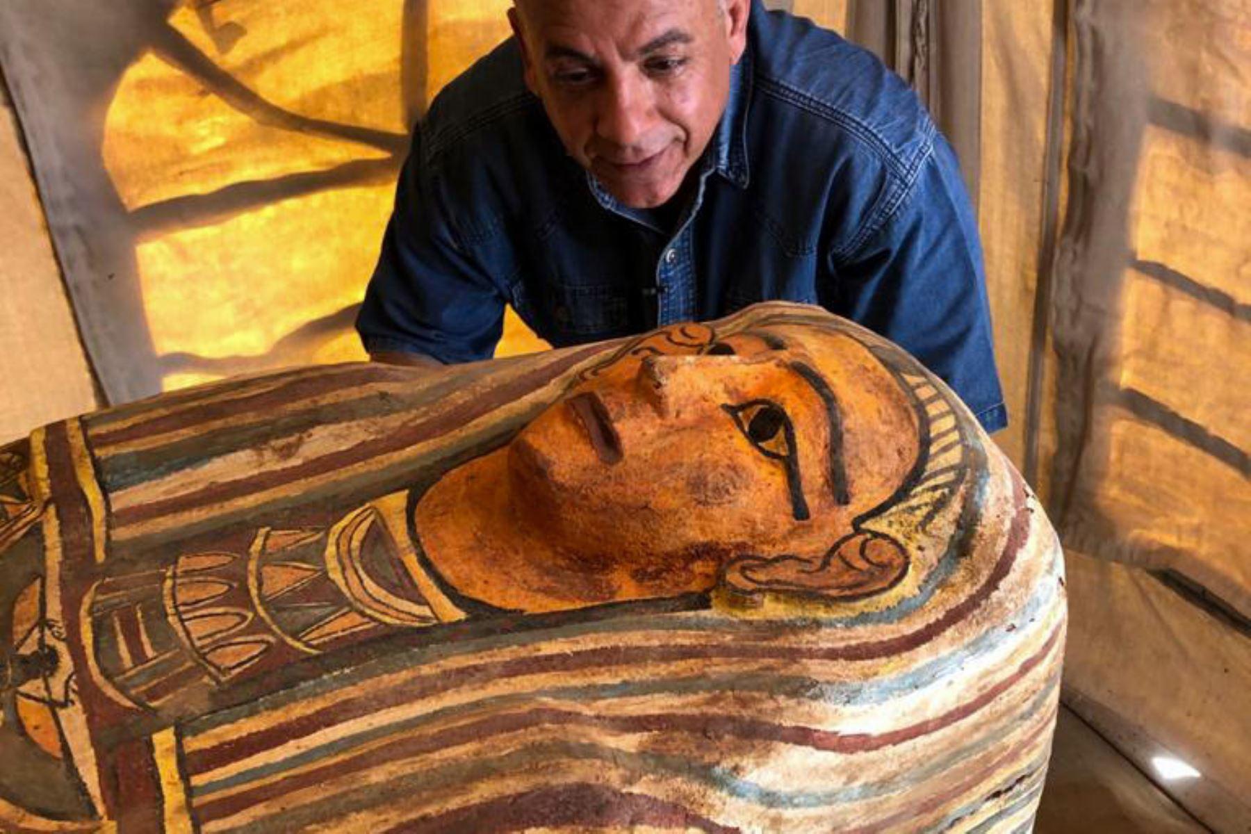 Descubren en Egipto 14 sarcófagos de 2,500 años de antigüedad | Noticias
