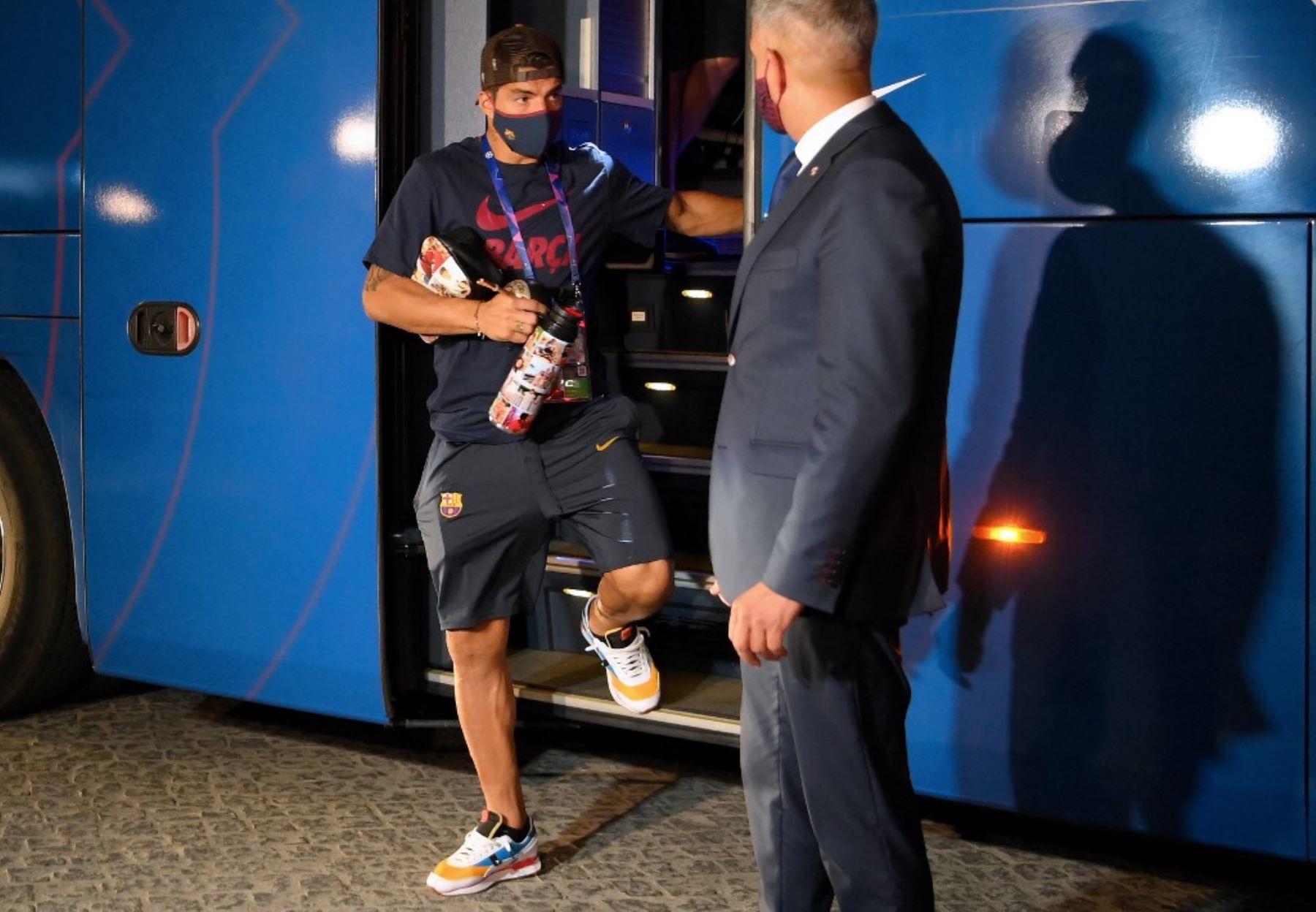 Luis Suárez es acusado de hacer trampa en exámenes en Italia.