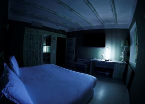 Una empresa nipona ha comercializado una lámpara de radiación ultravioleta que inactiva al covid-19. Foto: EFE