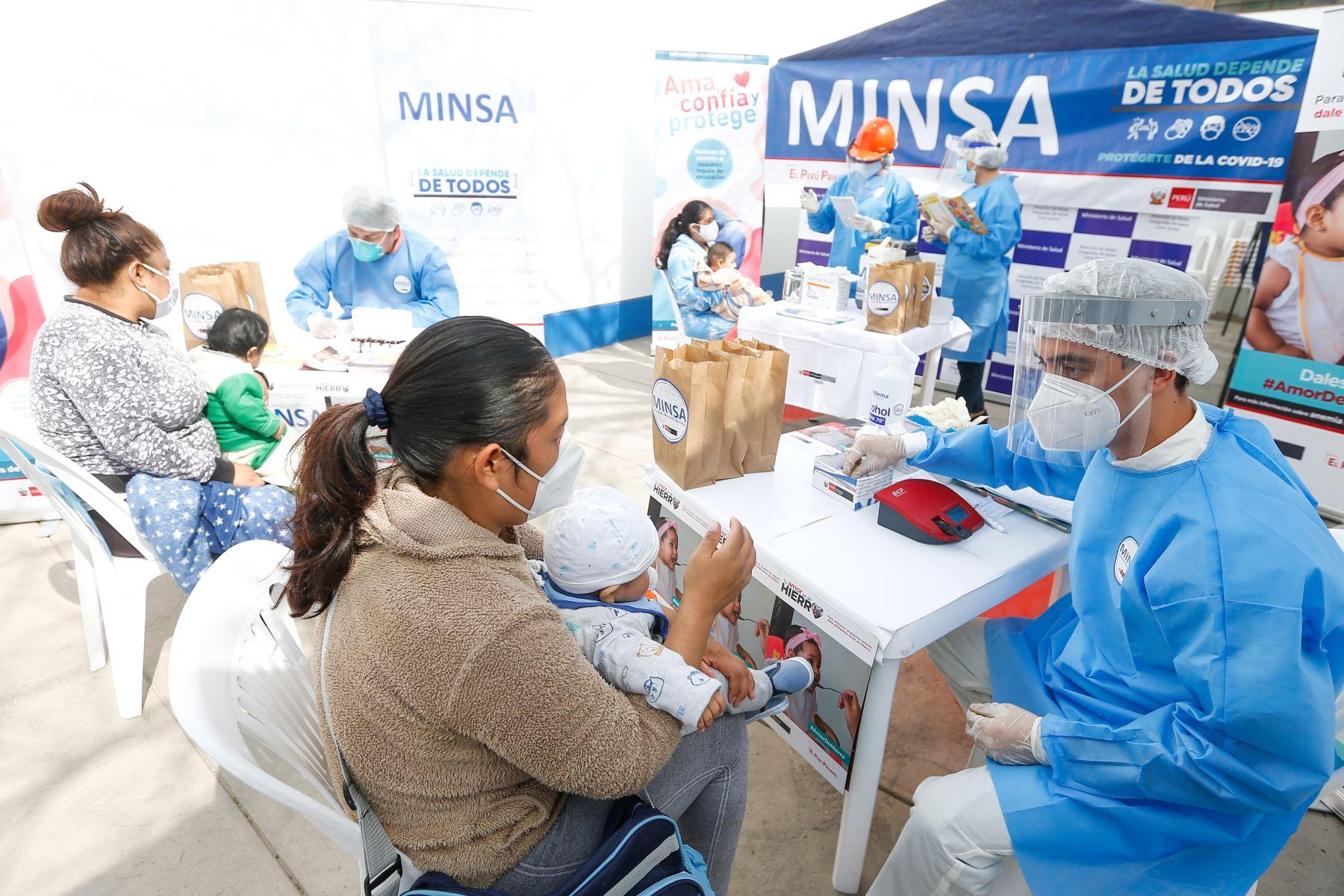 """Afiliación y acompañamiento """"Apoyo temporal para el fortalecimiento del desarrollo infantil"""" en San Juan de Lurigancho. Foto:ANDINA/Minsa"""