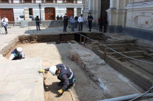 Ministro de Cultura, Alejandro Neyra visitó los descubrimientos Arqueológicos de la plazuela de San Francisco