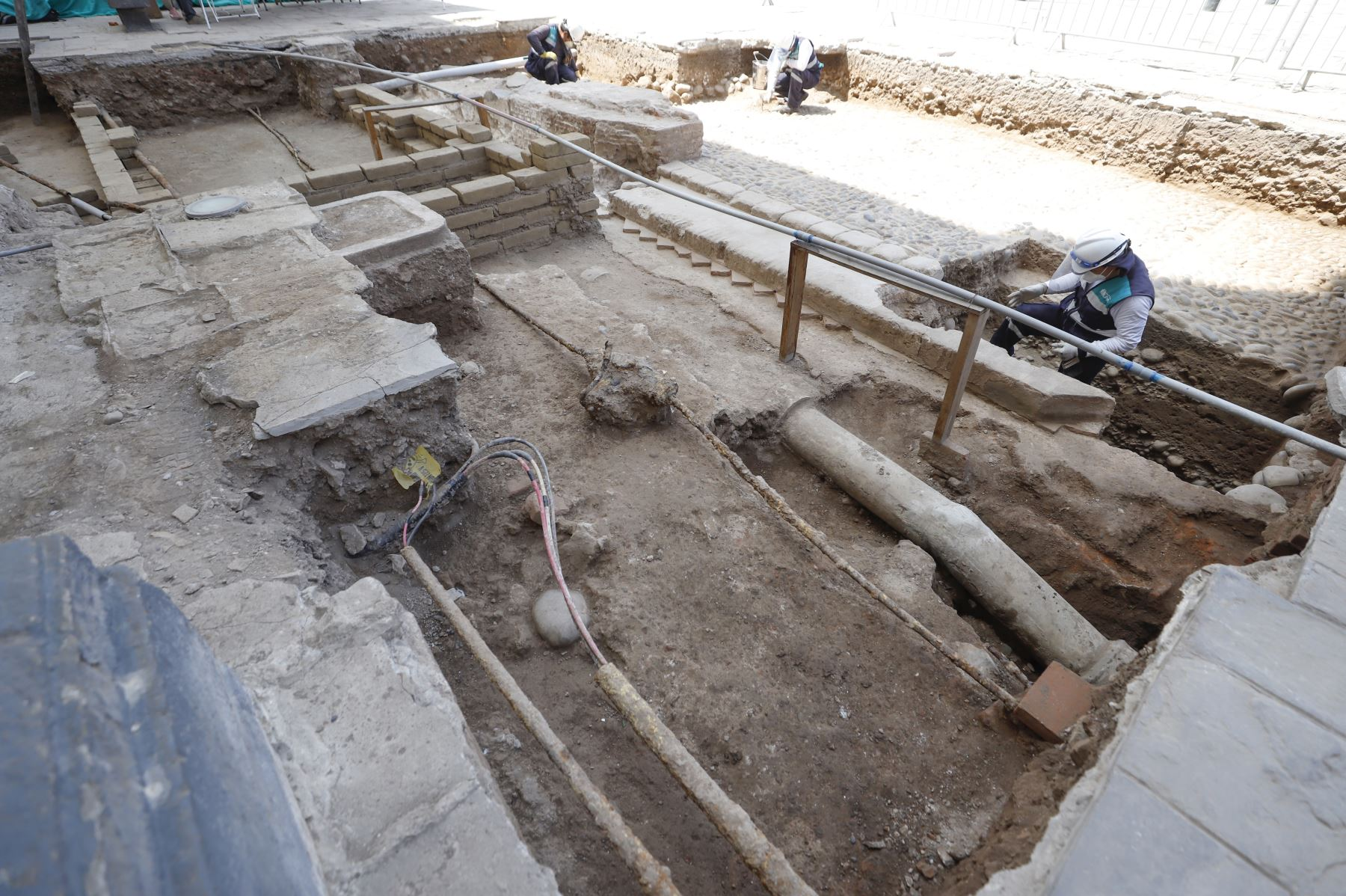 Ministro de Cultura, Alejandro Neyra visitó los descubrimientos Arqueológicos de la plazuela de San Francisco. Foto:ANDINA/Ministerio de Cultura