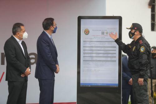 """El presidente de la República, Martín Vizcarra, participa junto al Ministro del Interior, en el lanzamiento de la nueva plataforma """"Denuncia Policial Digital"""""""
