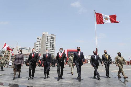 Presidente  Vizcarra participa de la ceremonia por el Día de las Fuerzas Armadas