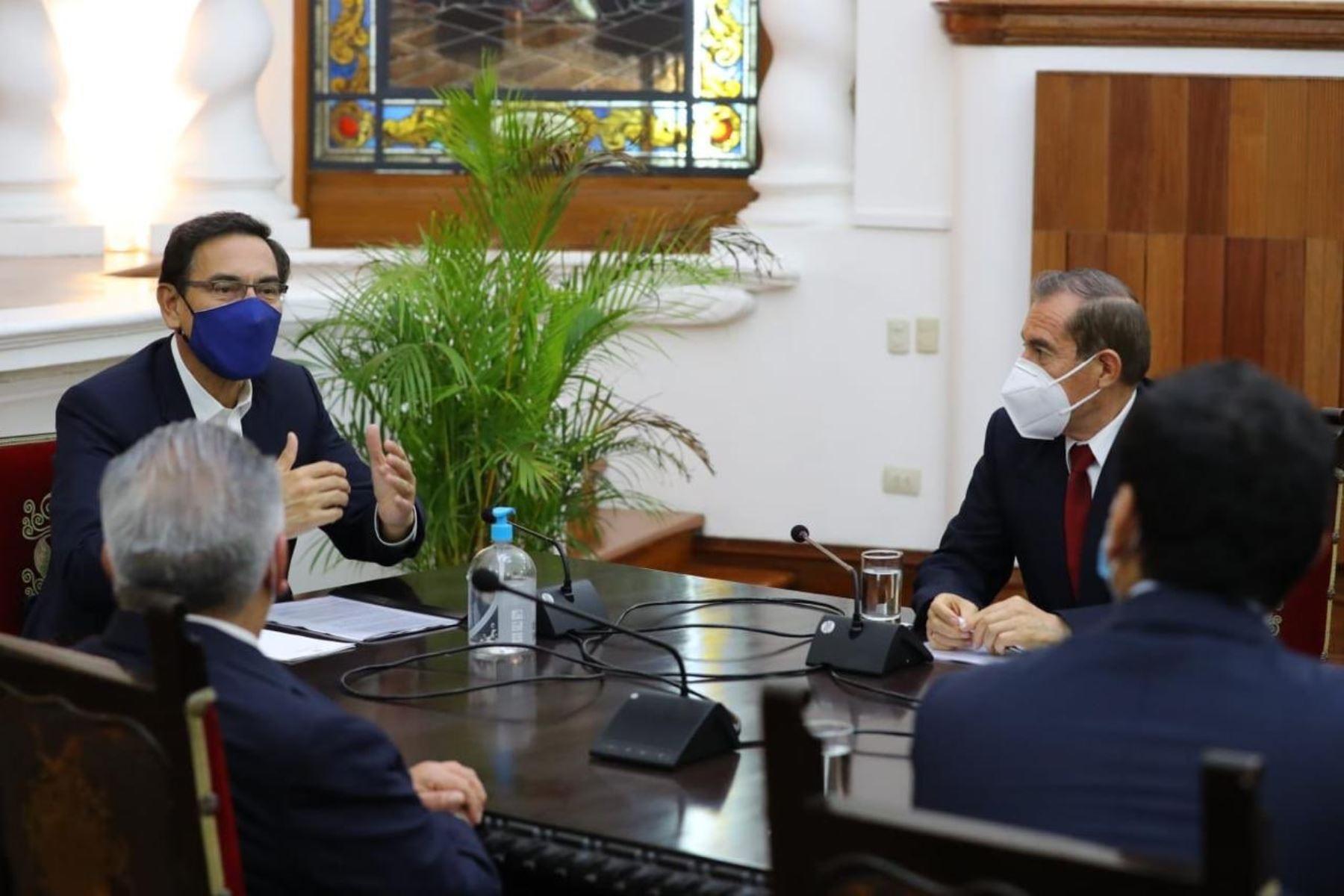 Presidente Martín Vizcarra se reunió con líder y congresistas de APP   Noticias