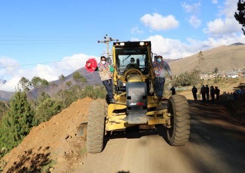 Se inició la obra vial para fortalecer la producción de café en el valle de Isquilaya, ubicado en la provincia de Carabaya, región Puno. ANDINA/Difusión