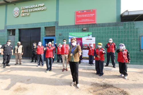 Ministra Sasieta inaugura dos Centros Emergencia Mujer en Lambayeque