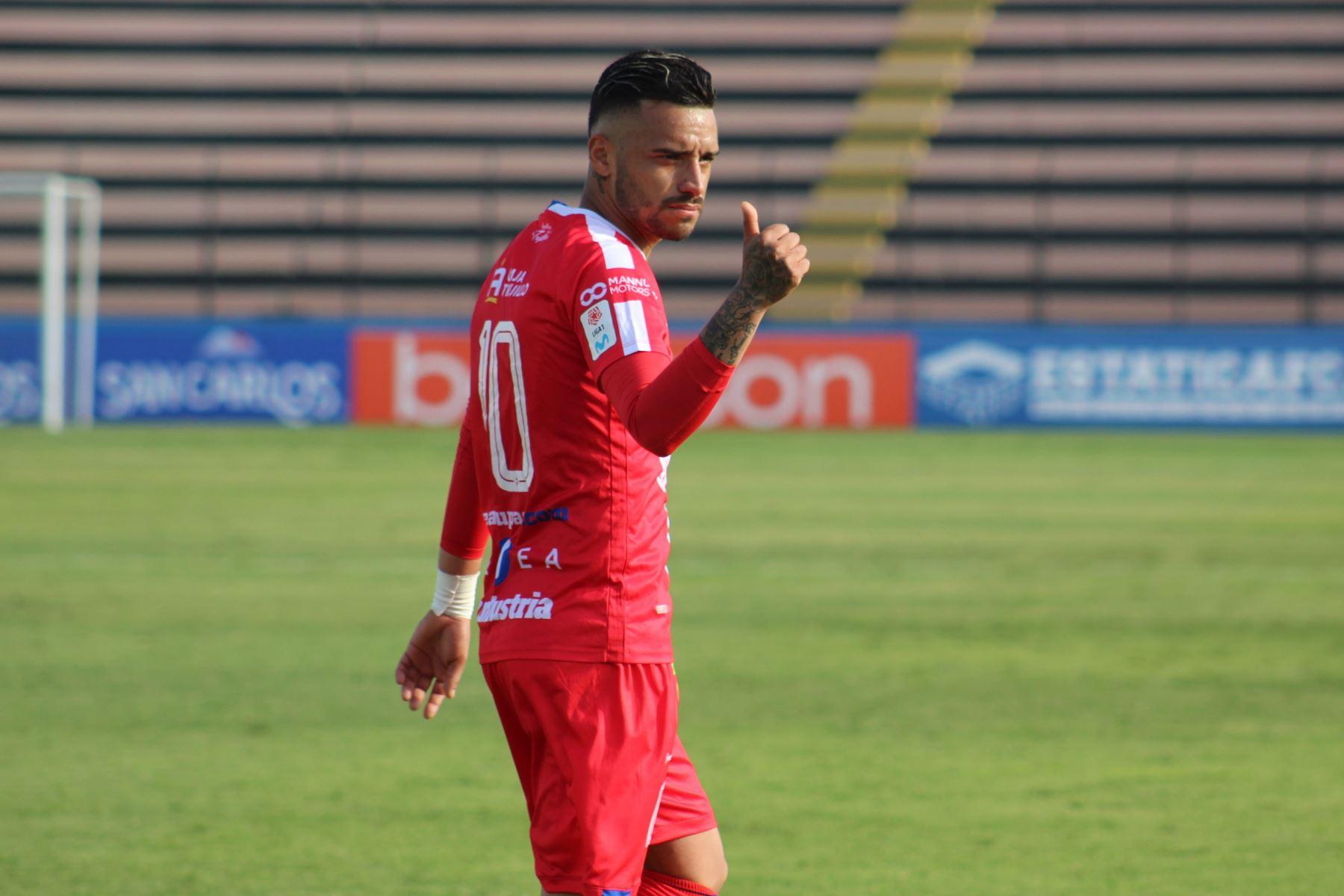El futbolista Patricio Arce del Mannucci , celebra su gol anotado ante el club Binacional , durante el partido por la fecha 14 de la Liga 1 del Torneo Apertura 2020, en el estadio Miguel Grau. Foto: @LigaFutProf