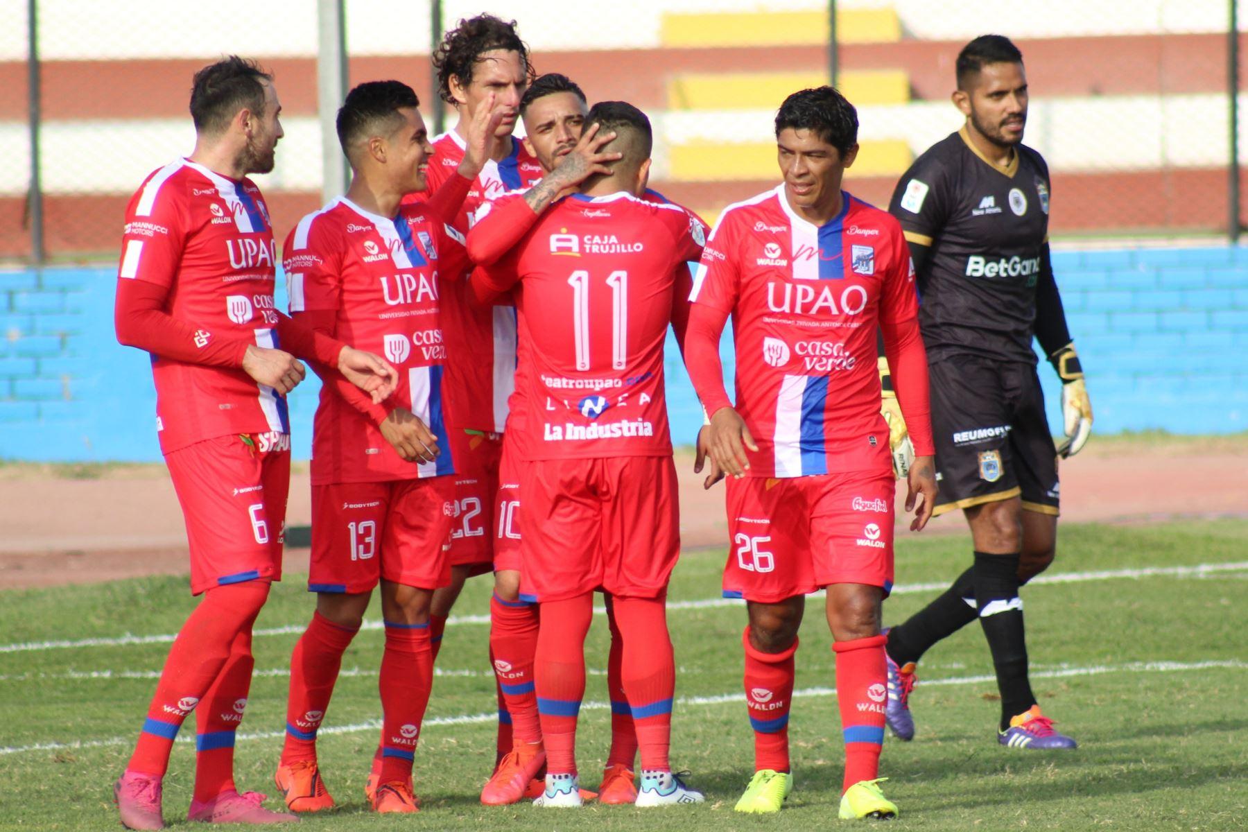 El futbolista Patricio Arce del Mannucci ,celebra su gol anotado ante el club Binacional , durante el partido por la fecha 14 de la Liga 1 del Torneo Apertura 2020, en el estadio Miguel Grau. Foto: @LigaFutProf