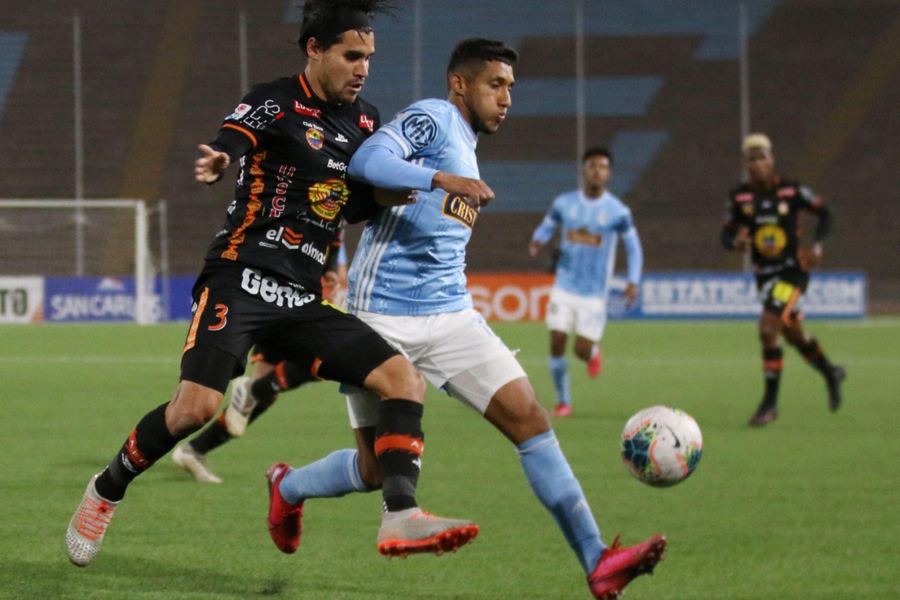 Sporting Cristal   y FC Ayacucho   se enfrentan por la fecha 14 del Torneo Apertura, en el estadio San Marcos. Foto: @LigaFutProf