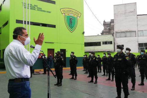 Ministro del Interior supervisa trabajo policial para hacer cumplir medidas dictadas ante la prevención de Covid-19