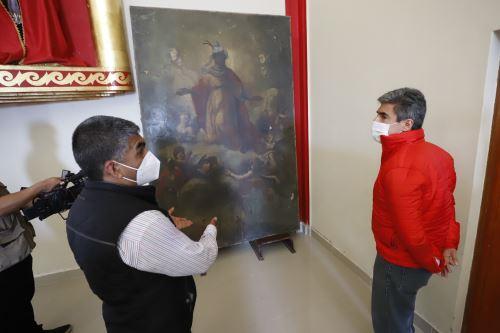 Ministro de Cultura observa hallazgos en la Quebrada, en antigua hacienda en Cañete