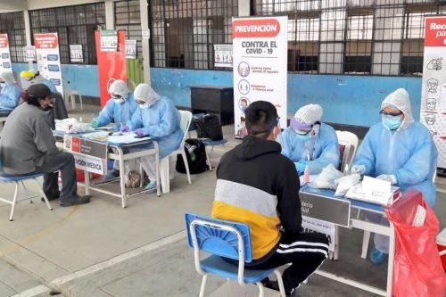 Coronavirus : Brigadas del Minsa  brindan servicios de salud en Puente Piedra y La Victoria