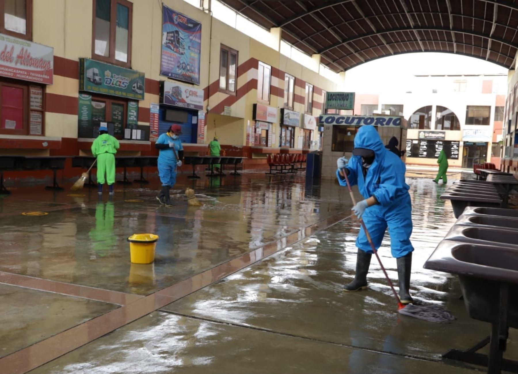 La Municipalidad del Santa ultima los detalles del protocolo sanitario y dejar todo listo para la reanudación de los viajes interprovinciales desde y hacia la ciudad de Chimbote a partir de este jueves 1 de octubre. ANDINA/Difusión