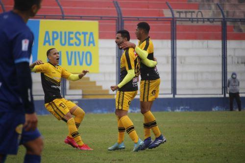 Cantolao y Carlos Stein empatan 2 - 2 por la fecha 15 de la Liga 1