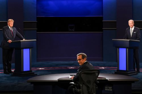 El presidente Donald Trump y el candidato demócrata Joe Biden participan en su primer debate presidencial. AFP