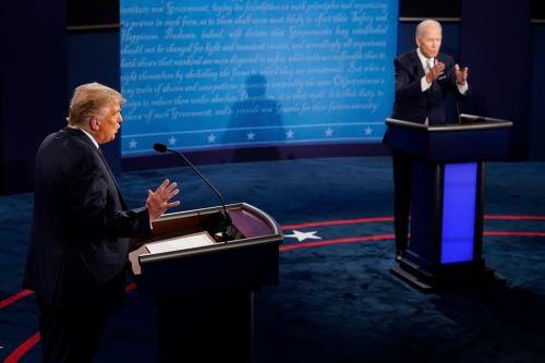 El presidente Donald Trump y el candidato demócrata Joe Biden durante su primer debate presidencial previo a las elecciones de noviembre. Foto: AFP