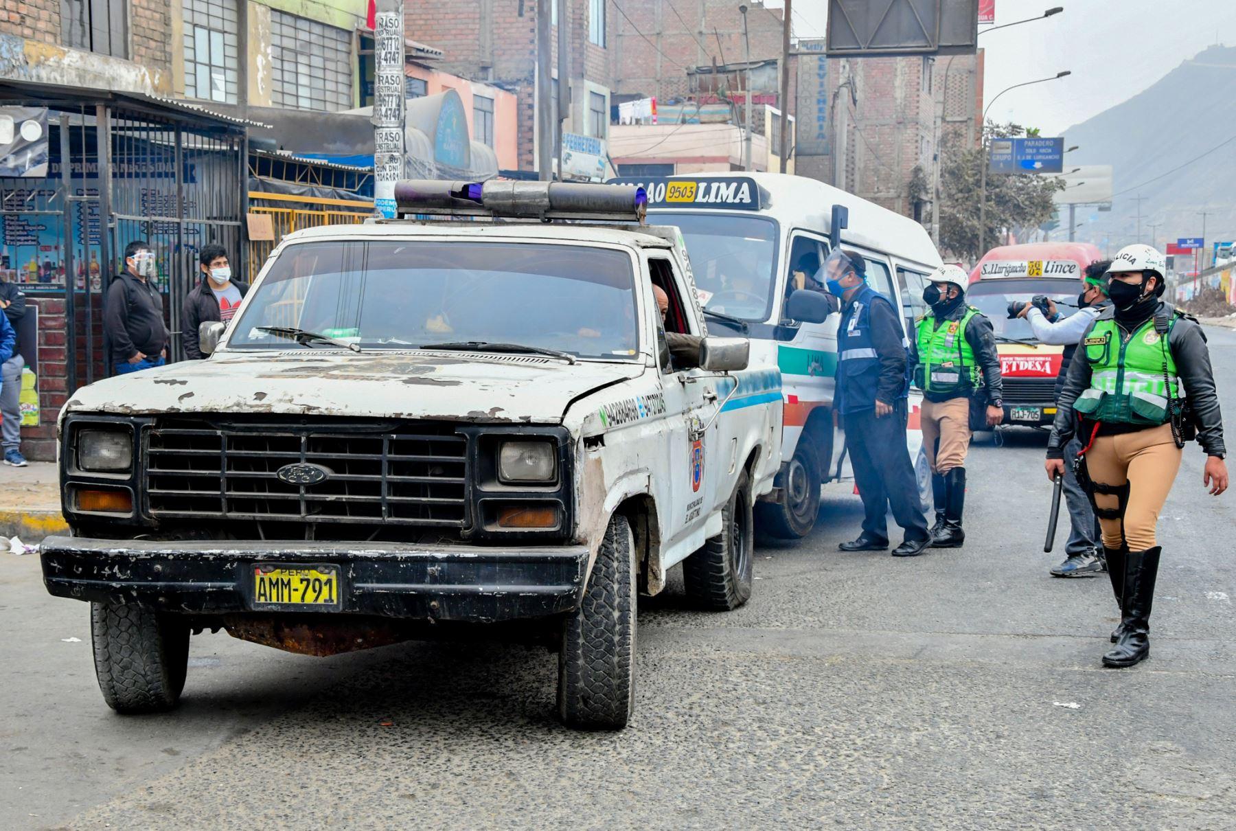 En total, se detectó a 25 unidades que transportaban pasajeros en condiciones de informalidad, por lo que fueron conducidas a los depósitos municipales de Chorrillos y El Agustino que ya se encuentran acreditados por la ATU. Foto:ANDINA/ATU