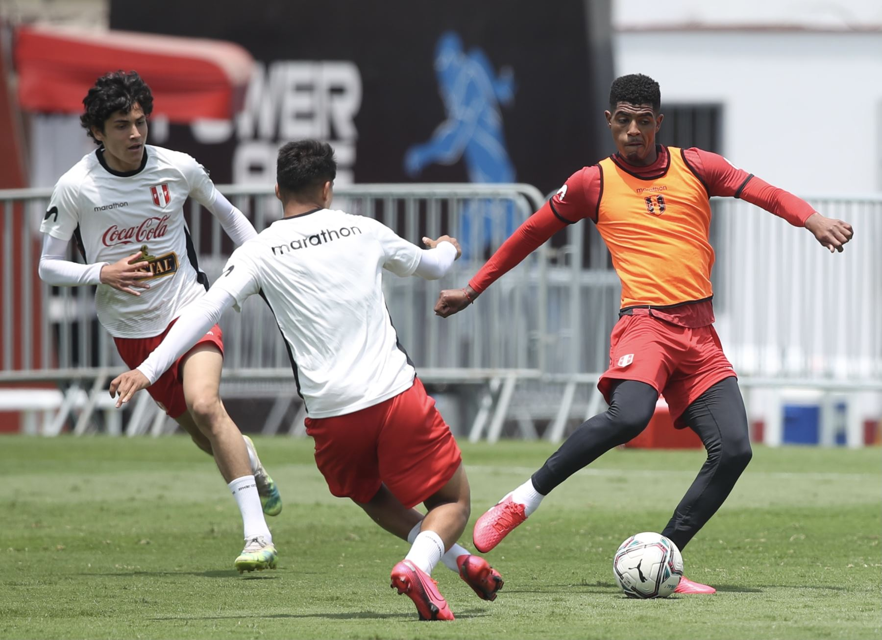 Selección peruana completó sus entrenamientos por tercer día consecutivo en el Complejo Deportivo Videna FPF, con miras a su debut en las Clasificatorias a Qatar 2022. Foto: @SeleccionPeru