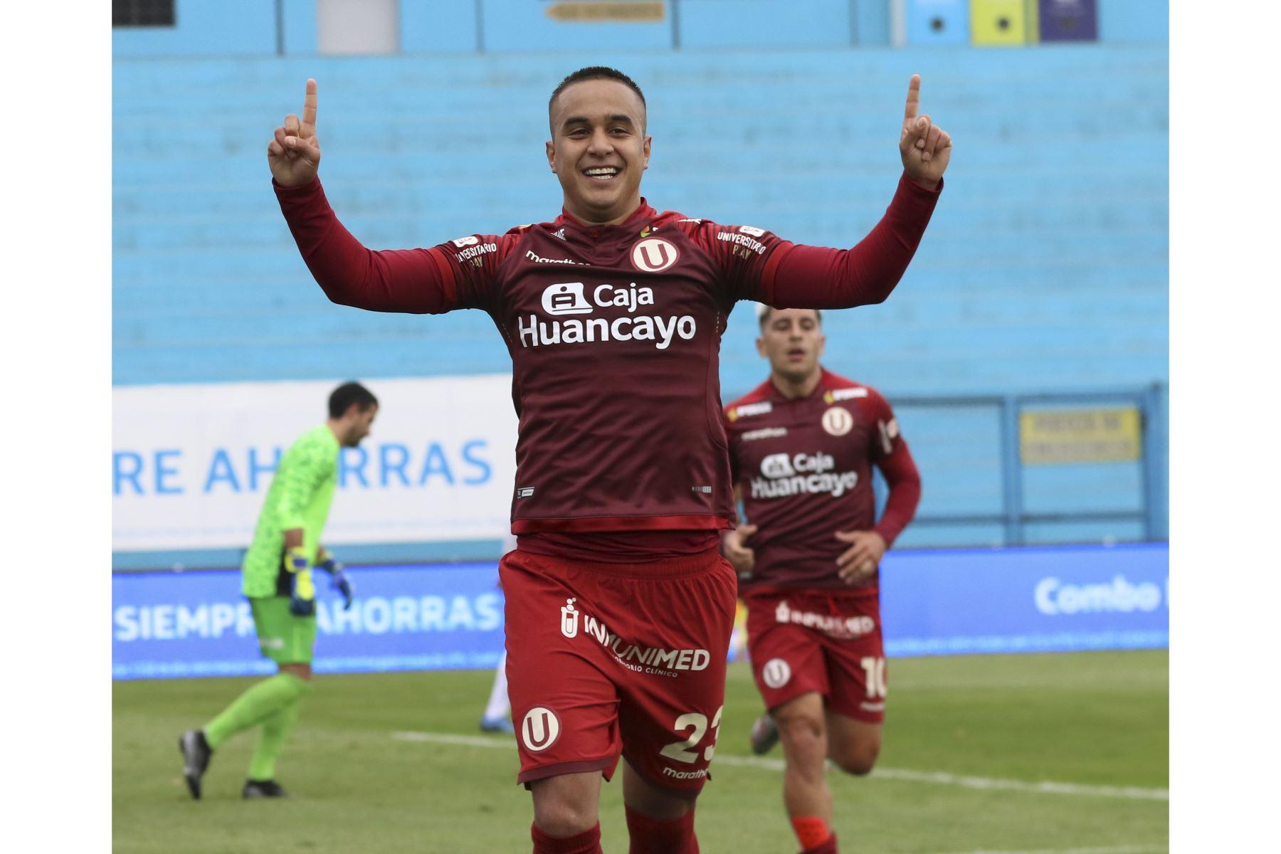 Jesús Barco celebra luego de anotar en la goleada de Universitario de Deportes a Deportivo Municipal que culminó 5-0 por la fecha 15 del Torneo Apertura de la Liga 1.  Foto: FPF  Foto: FPF