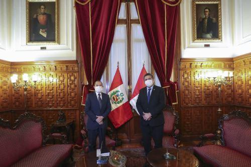 Premier Walter Martos se reúne con el presidente del Congreso