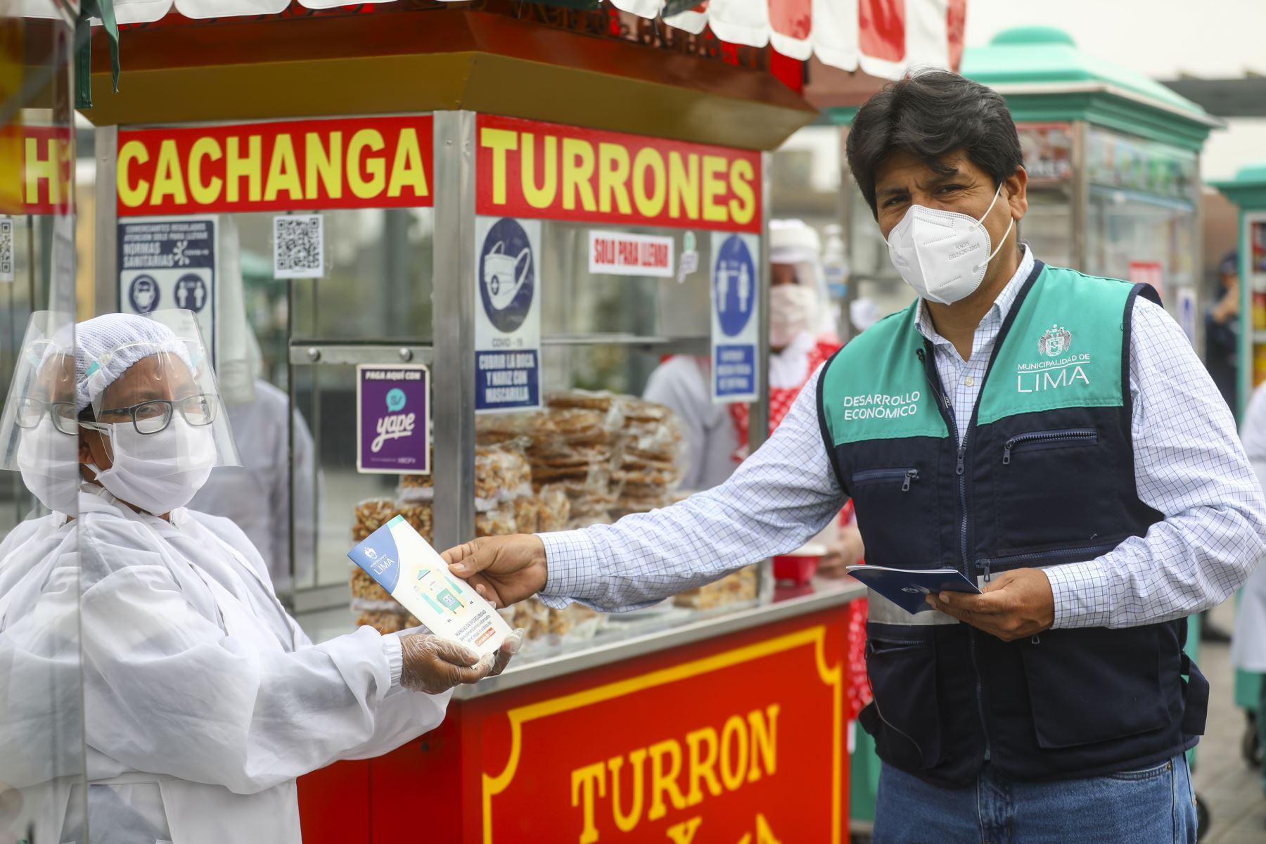 Reactivación de comercios autorizados en Alameda Chabuca Granda.  Foto: Municipalidad de Lima