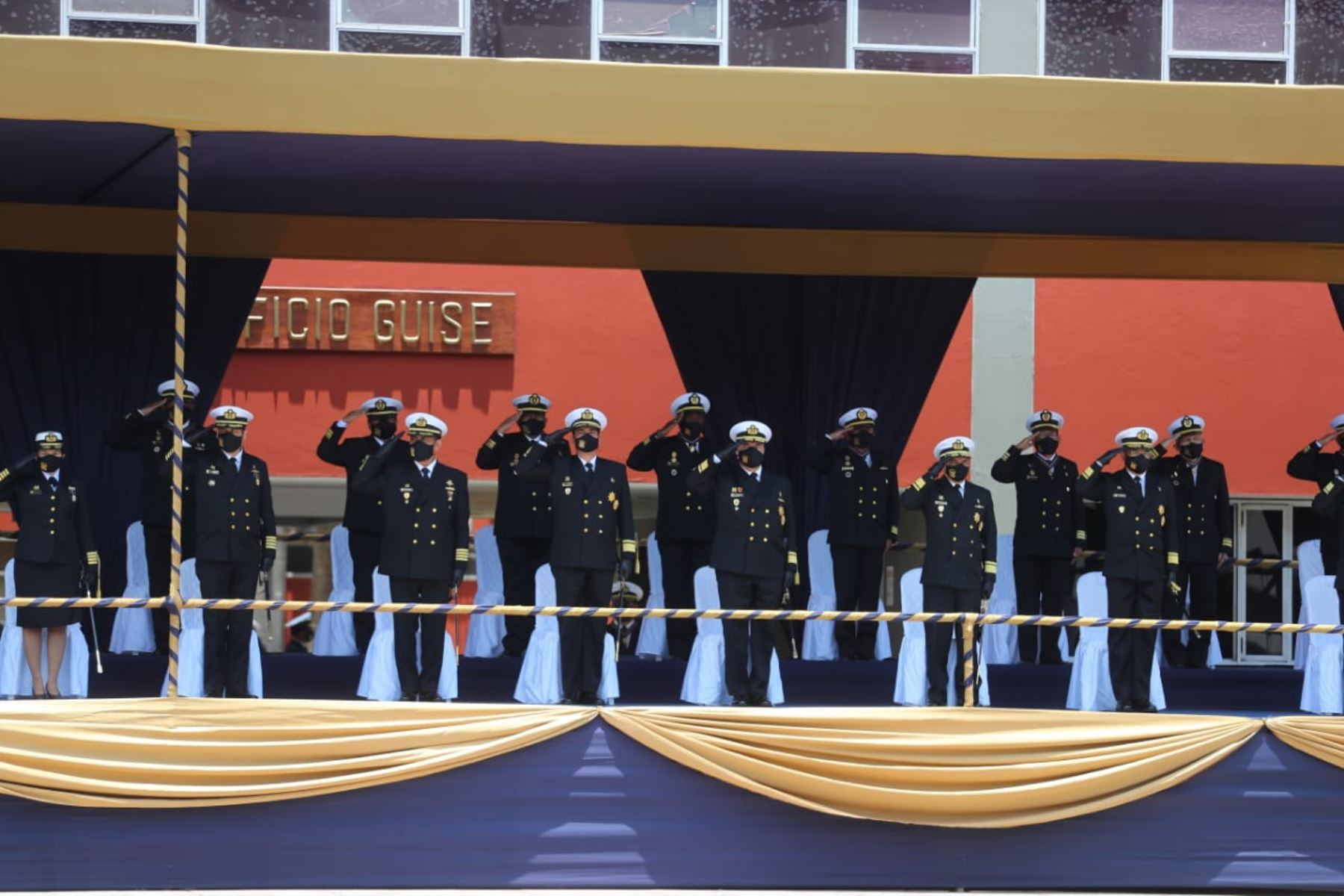 El presidente de la República, Martín Vizcarra, preside la ceremonia por el 199° aniversario de la Marina de Guerra del Perú y el 141º aniversario del Combate Naval de Angamos. Foto: ANDINA/ Prensa Presidencia