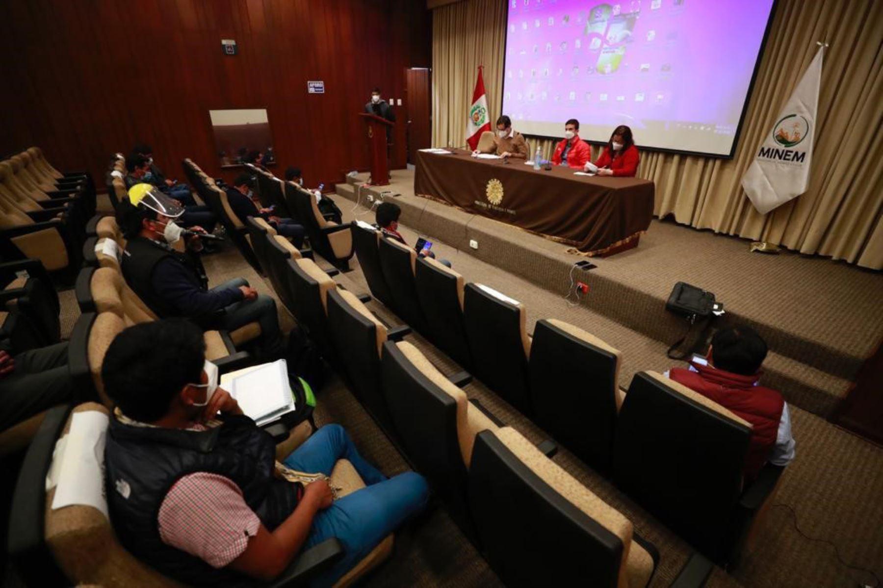 El Ministerio de Energía y Minas lamenta que no se pueda avanzar la negociación para alcanzar un acuerdo en beneficio de toda la provincia. ANDINA/Difusión
