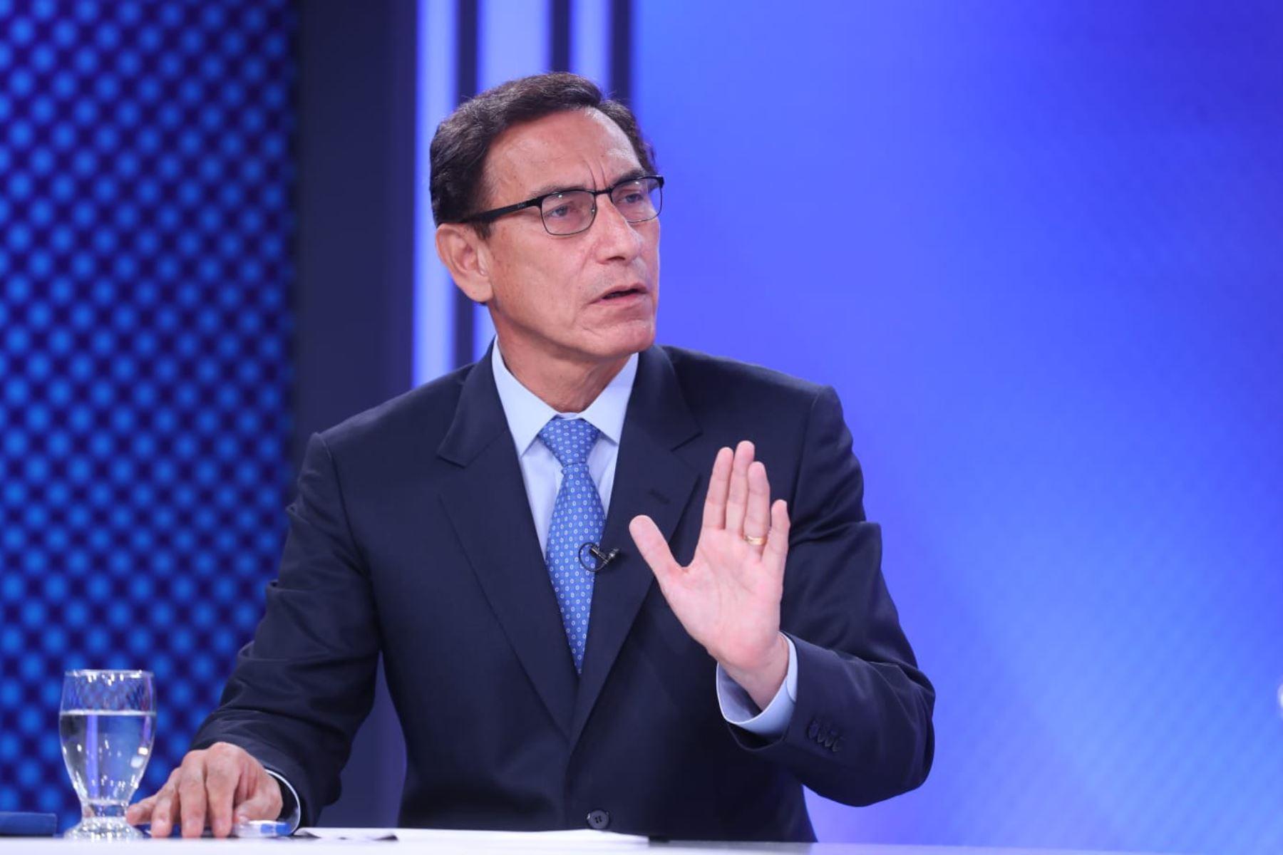 Martín Vizcarra declara ante la fiscalía en investigación por caso vacunas