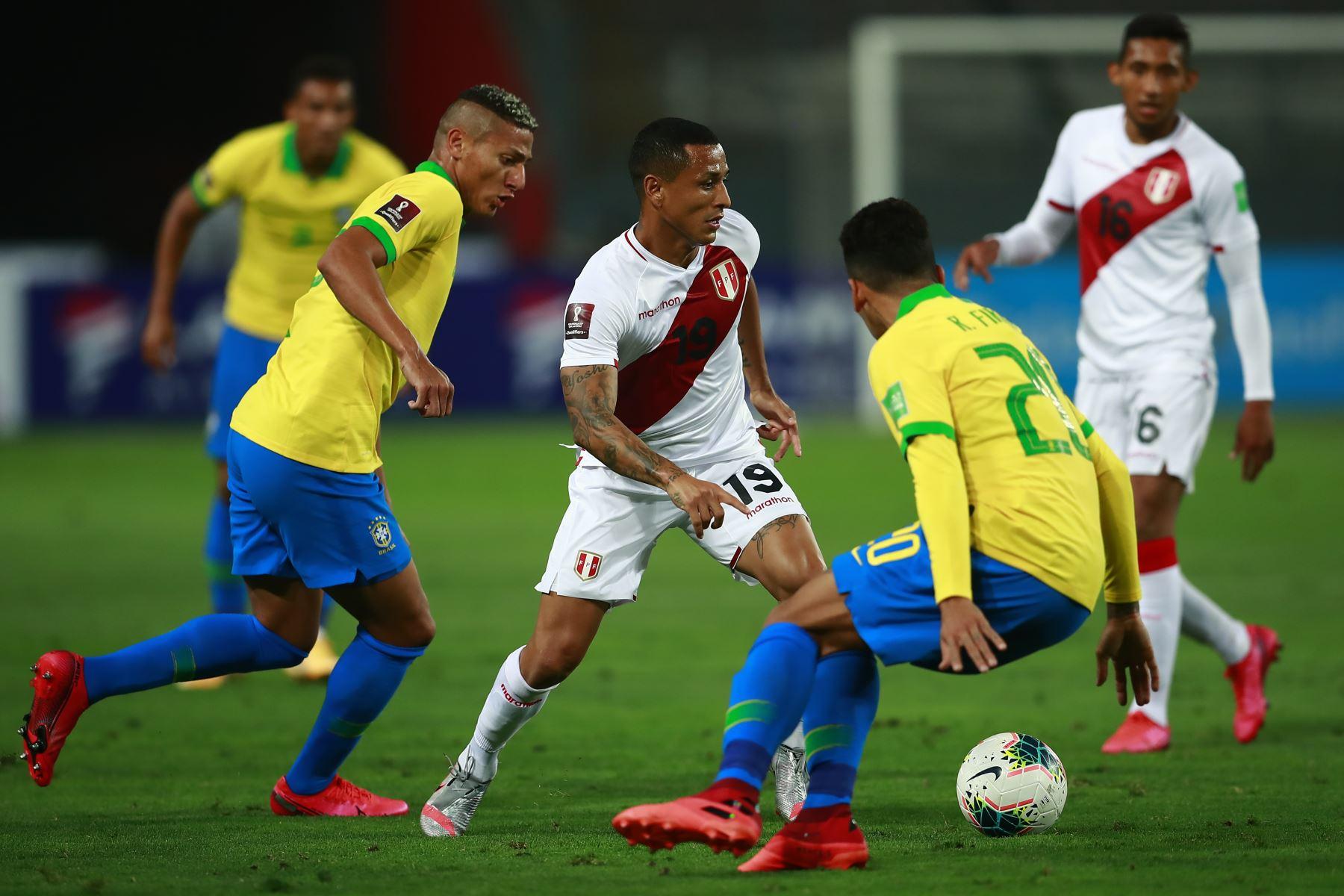 La fuerte crítica de un defensor peruano a Neymar — Es un payaso