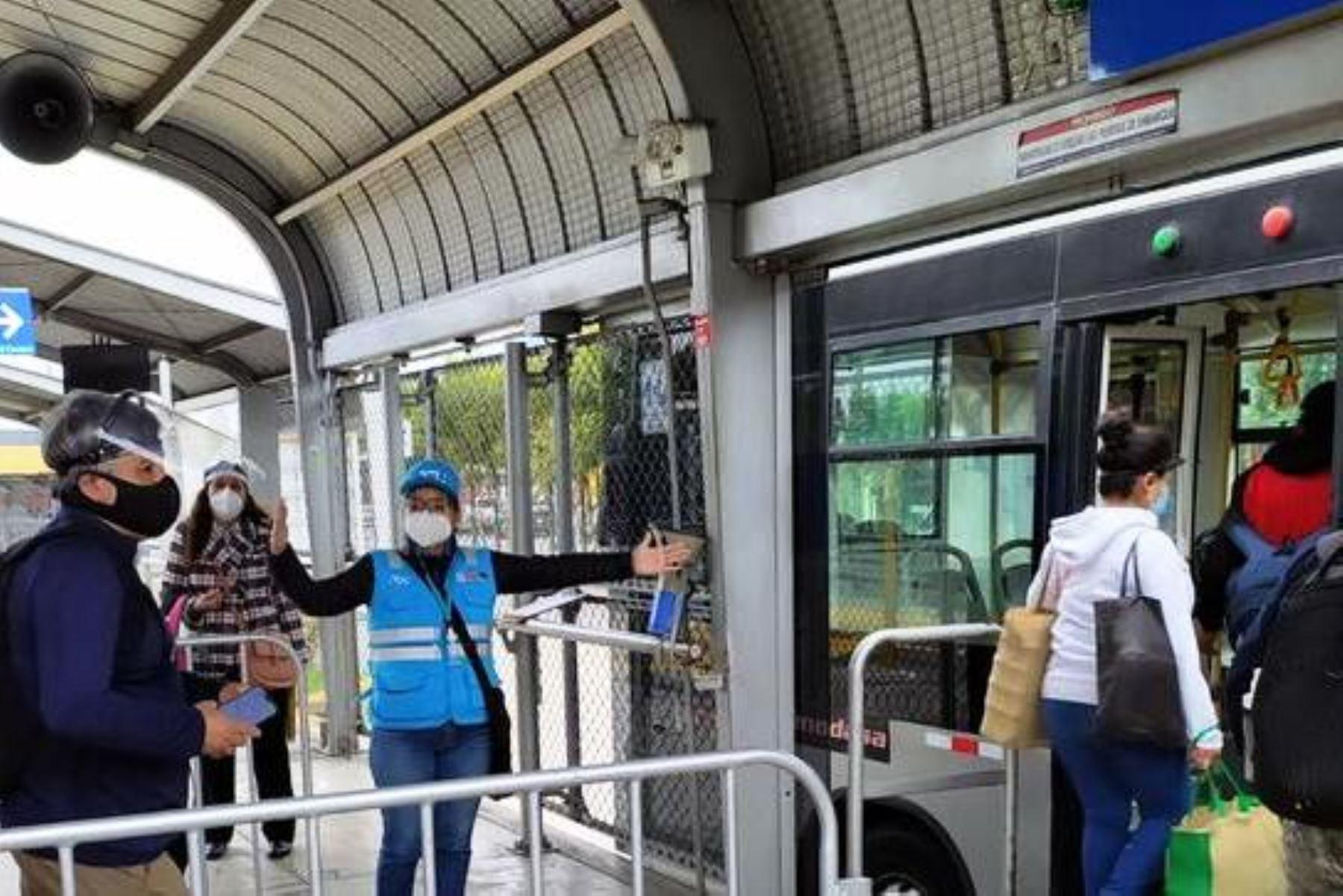 Metropolitano: desde el lunes se ampliará el horario de los servicios expresos. Foto: ANDINA/Difusión.