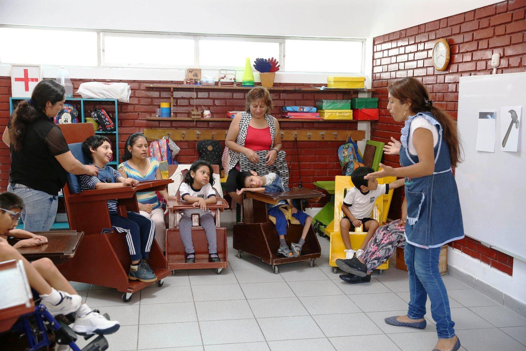 En la plataforma educativa se les brindará soporte emocional y herramientas pedagógicas a los padres que tienen hijos con discapacidad.