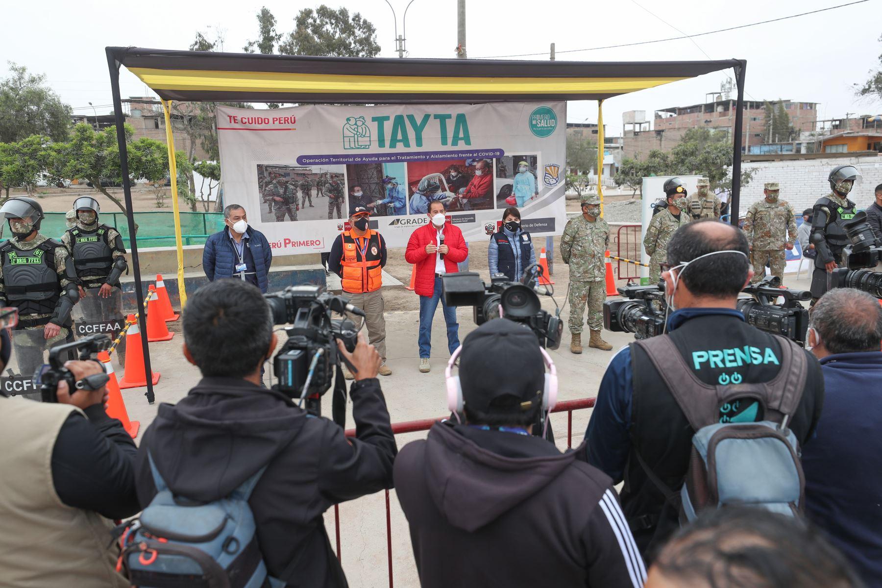 Jefe del Gabinete Walter Martos supervisó megaoperativo Tayta en Villa El Salvador. Foto: ANDINA/PCM