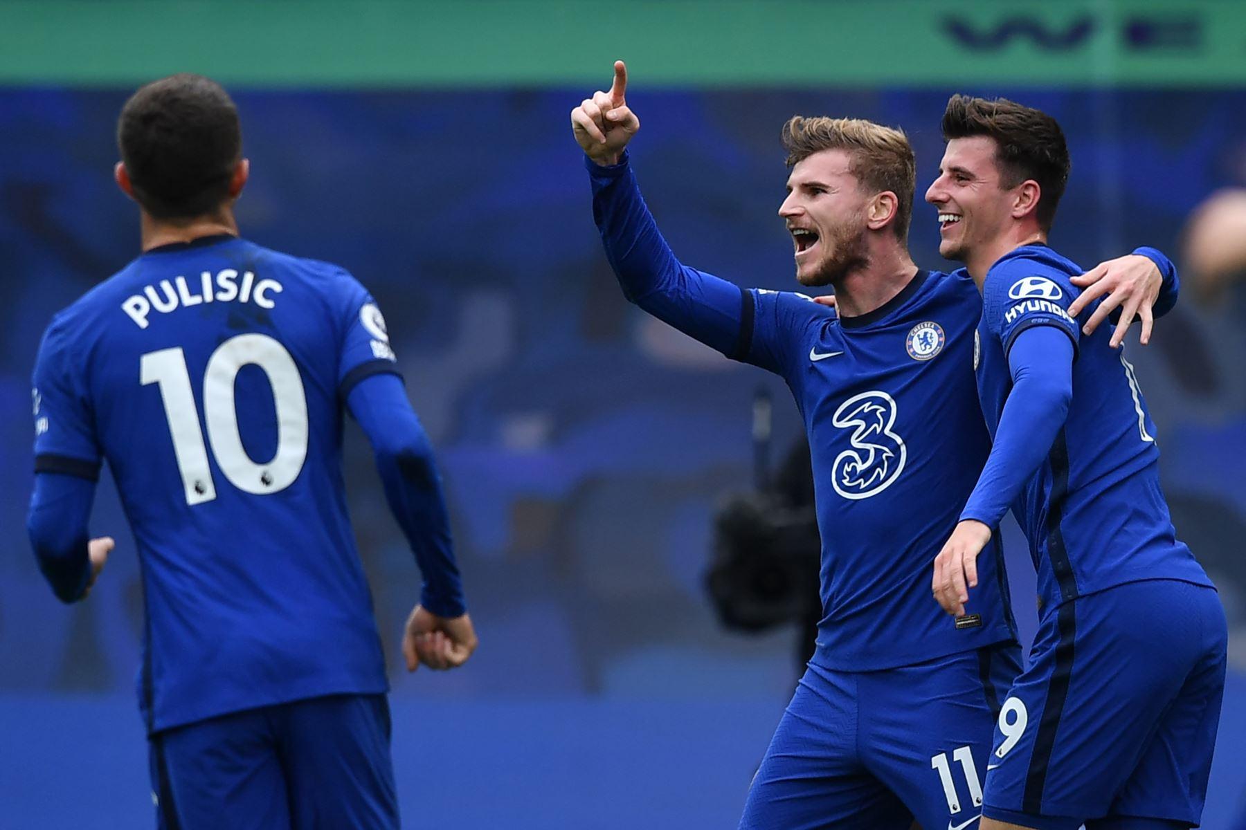 El delantero alemán del Chelsea, Timo Werner, celebra la puntuación durante el partido de fútbol de la Premier League inglesa entre Chelsea y Southampton en Stamford Bridge, Londres. Foto: AFP