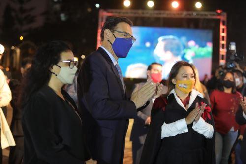 """El presidente de la República, Martín Vizcarra, participa en el lanzamiento de la Campaña de Turismo Interno """"Volver"""", en el Circuito Mágico del Agua"""
